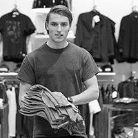 Arbejde i tøjbutik